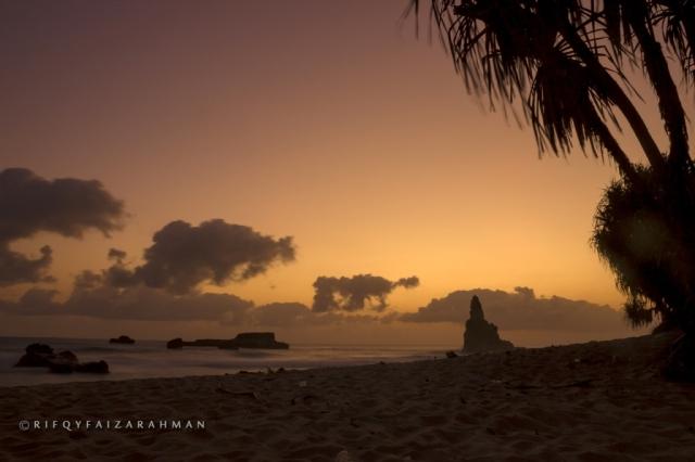 Pantai Buyutan Pacitan