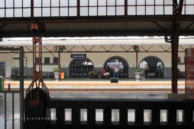 Stasiun Pasar Senen Jakarta