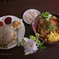 "Launching ""Nasi Goreng Kimcil dan Black Burger Go-Song"" Hotel Horison Ultima Malang"