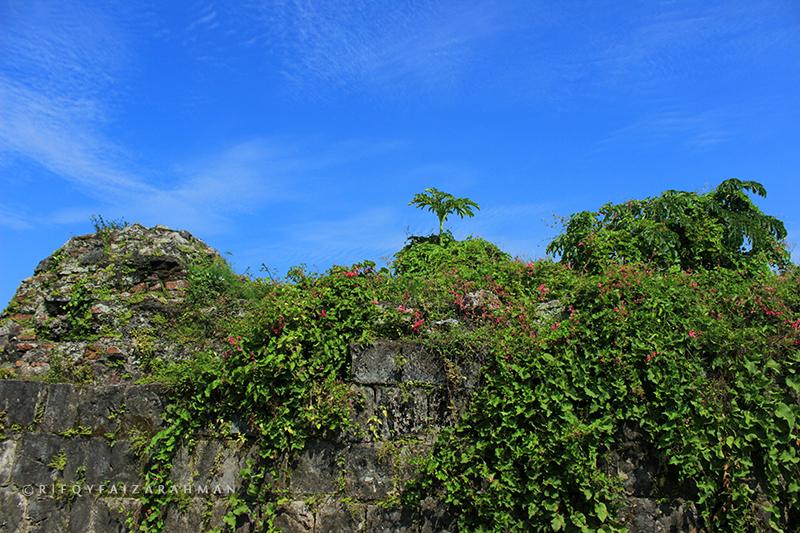 Langit biru pelipur lara di Banten Lama