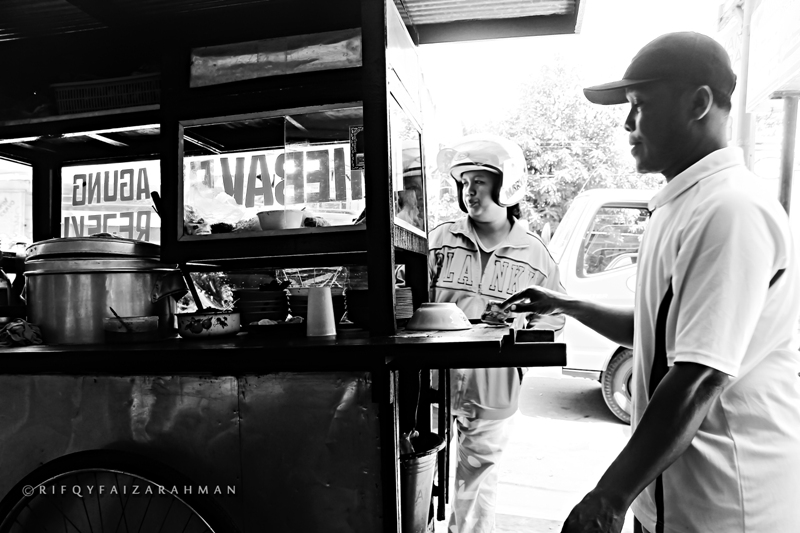 Pak Sugiyanto, penjual bakso asli dari Sragen, Jawa Tengah