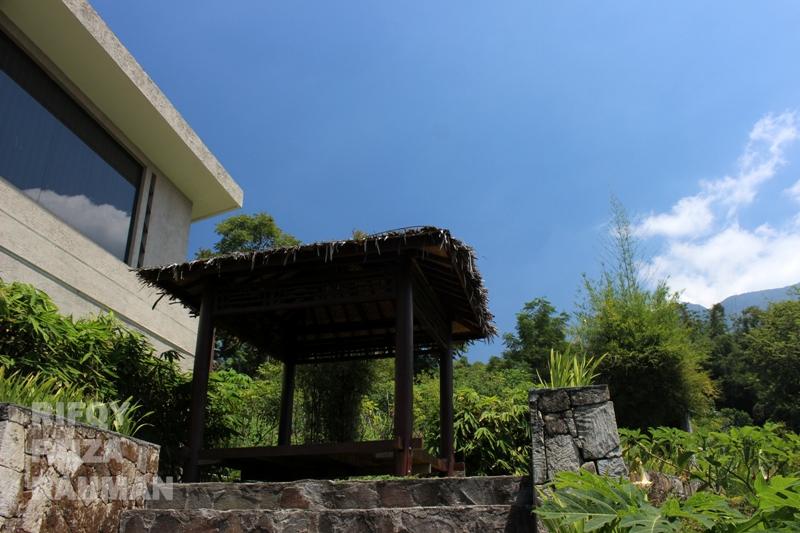 Sudut salat satu family room dalam area Pondok Wisata, Umbul Sidomukti