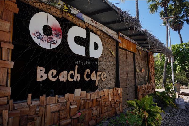 Tampak muka kafe OCD di Pantai Lasiana, Kupang