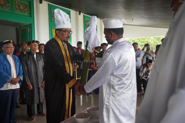 Penyerahan Ake Dango kepada Sultan Tidore Hi. Husain Sjah