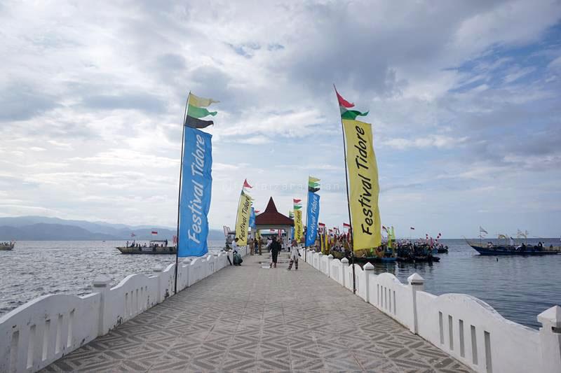 Suasana dermaga Kesultanan Tidore jelang Parade Juanga