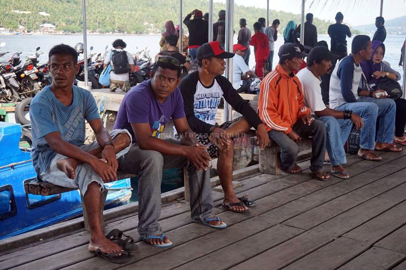 Orang-orang di Pelabuhan Rum, Tidore