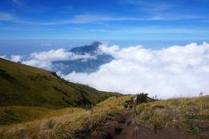 Seolah berjalan di atas awan
