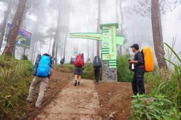 Gapura pendakian Gunung Merbabu jalur Suwanting