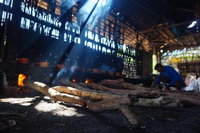 Belum ada perhatian pemerintah terhadap produksi ikan pindang khas Bawean