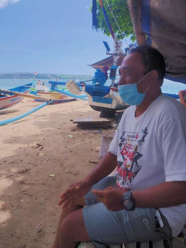 Nyoman Sudiarta (55 tahun), ketua kelompok nelayan Baruna Samanjaya di Pantai Kelan, Kelurahan Tuban, Kecamatan Kuta, Kabupaten Badung. (FOTO: Rifqy Faiza Rahman)